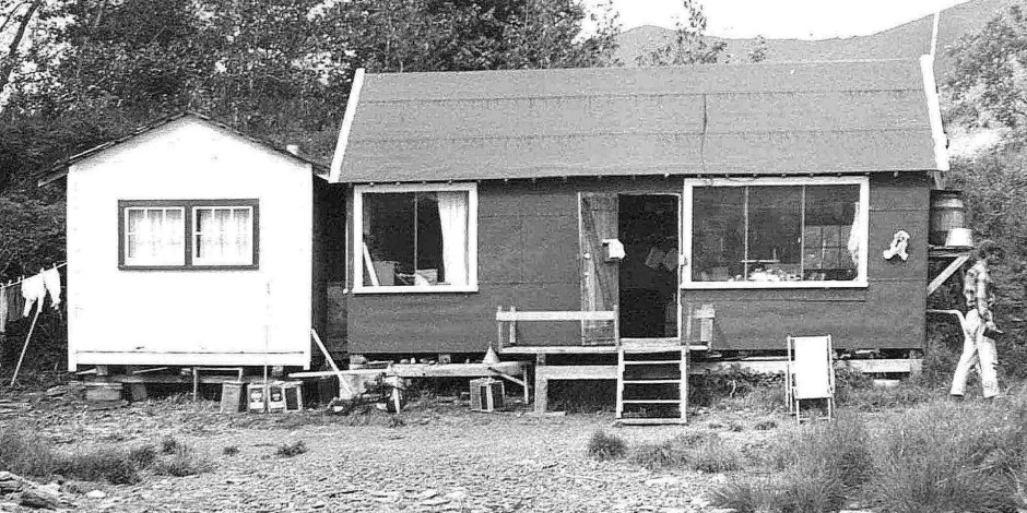 old-small-house-vintage-image